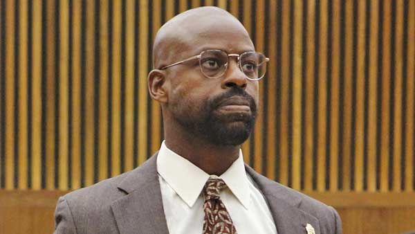 1459358923-sterling-k-brown-oj-simpson1.jpg