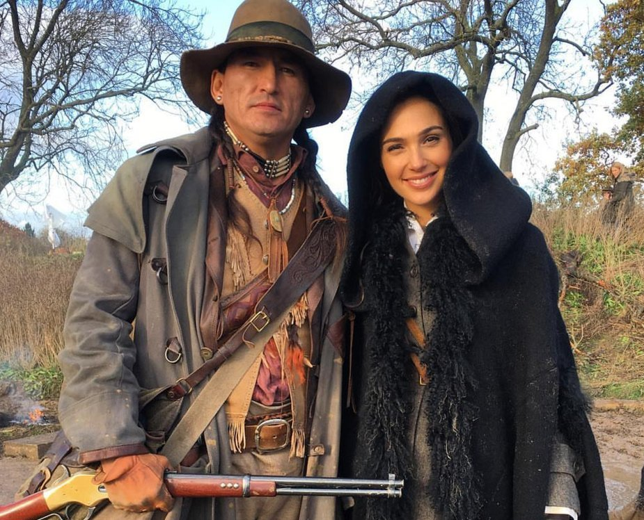 Eugene-Brave-Rock-and-Gal-Gadot-Twitter