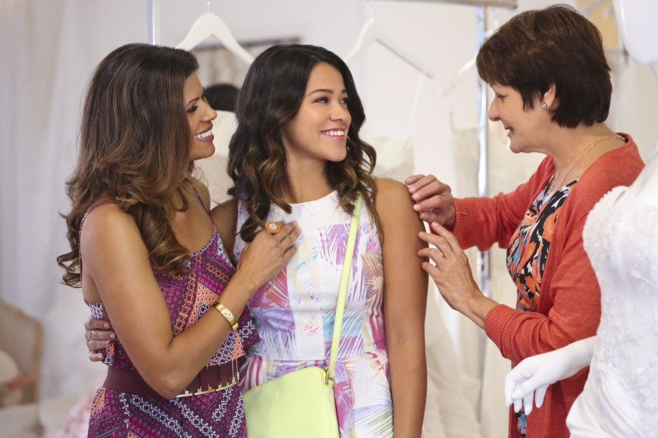 la-et-st-live-chat-with-jane-the-virgin-star-gina-rodriguez-on-wednesday-20141202