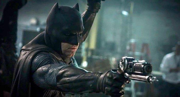 batman-benaffleck-grapplegun.jpg