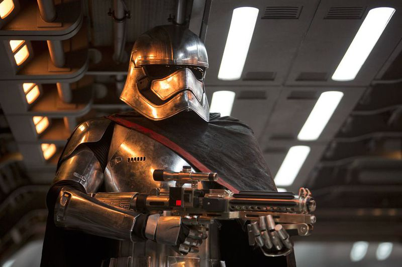 star wars battlefront 2-captain phasma