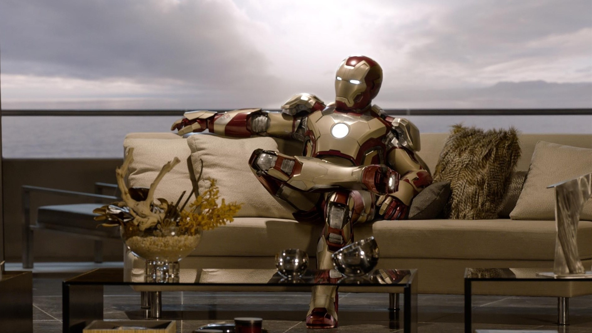 iron_man_couch_w1