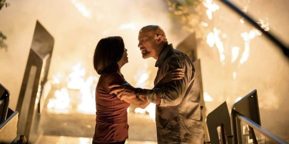 Neve-Campbell-and-Dwayne-Johnson-in-Skyscraper